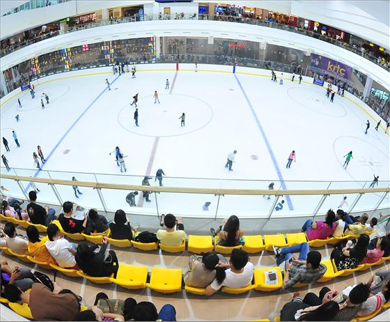 Families living at Le Quest can have a fun time ice skating at The Rink at Jcube.